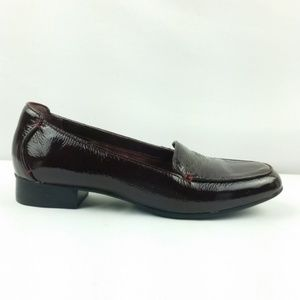 Clarks Artisan Loafers Size 8 Patent Leather S6-13